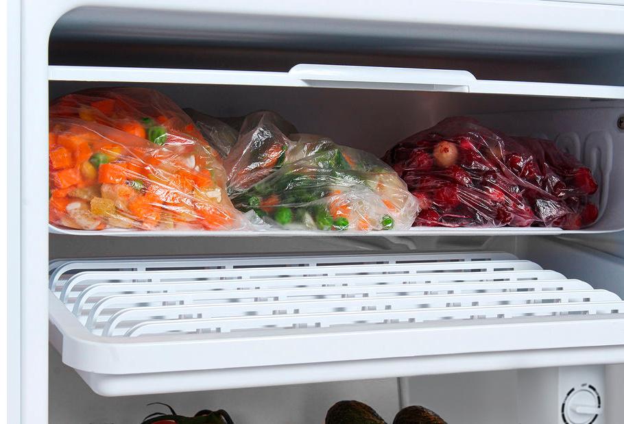 Холодильник Hyundai CO1003 белый (однокамерный)